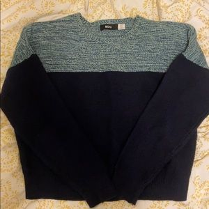 Color block sweater navy blue and lighter blue